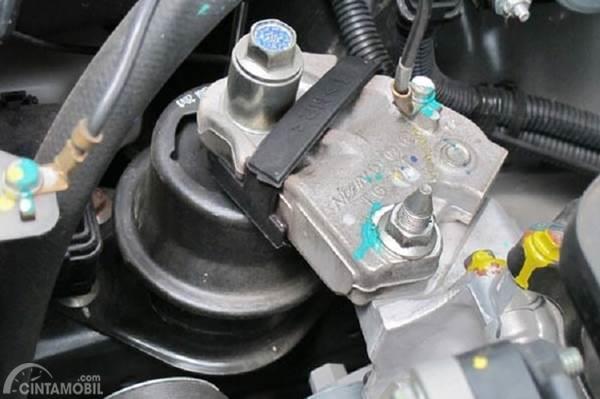 engine mounting juga memiliki usia pakai