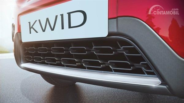 Gambar menunjukkan Lower Garnish pada mobil Renault Kwid Icon 2019
