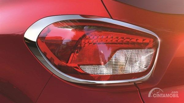 Gambar menunjukkan Stoplamp pada Mobil Renault Kwid Icon 2019