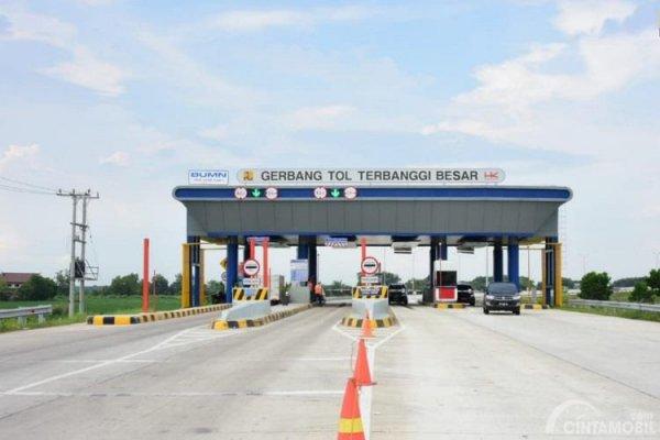 Foto menunjukkan Gerbang Tol Terbanggi Besar sudah siap dioperasikan