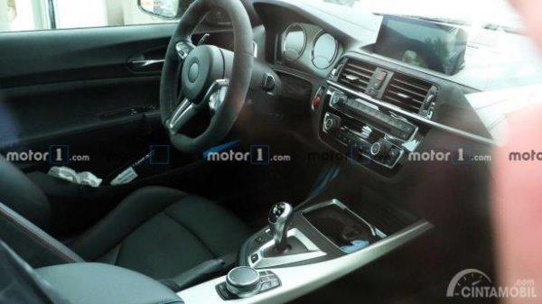 Spyshot tampilan interior BMW M2 CS