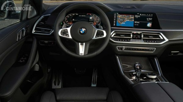 kemudi BMW X6 2019 berwarna hitam