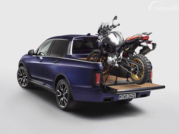 konsep pikap BMW X7 berwarna biru