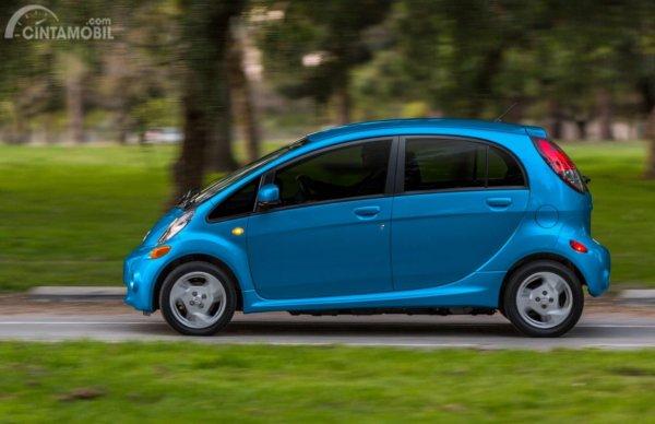 Mesin Mitsubishi i-MiEV 2010 mampu mengeluarkan daya maksimum 49 kW dan torsi puncak 196 Nm