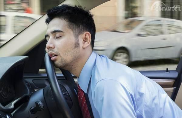 tertidur saat mengemudi