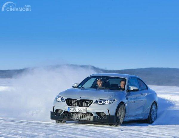 Momen member MOCI BMW Driving Experience di Swedia