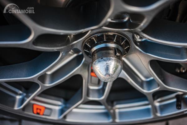 Gambar bagian pelek dari Ferrari 488 GTE EVO 2018