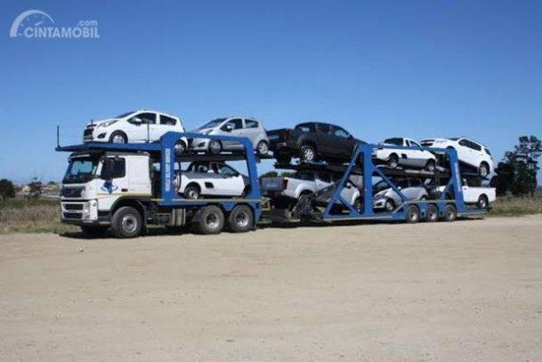 Distribusi Pengiriman Mobil memiliki biaya yang berbeda-beda sesuai jarak yang ditempuh