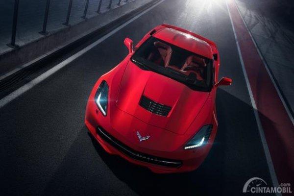 Chevrolet Corvette C7 warna merah