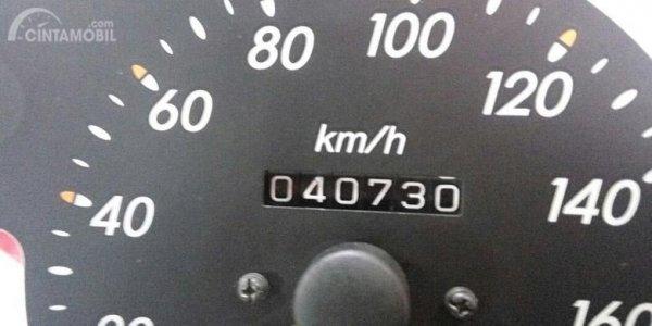 Odometer dalam mobil