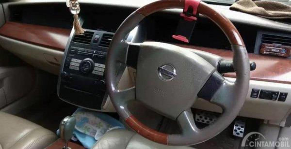 Fitur Nissan Teana J31 sudah dilengkapi audio, CD Player dan fitur AC