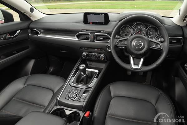 interior mobil Mazda