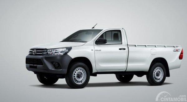 Toyota Hilux Single Cab Diesel 4x4 2019 berwarna putih