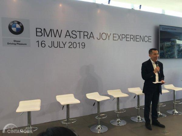 Foto Program Joy Experience BMW Astra dijelaskan oleh Fredy Handjaja