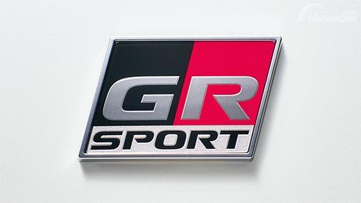 Tampak GR Sport Emblem pada mobil Toyota Prius PHV GR Sport 2019
