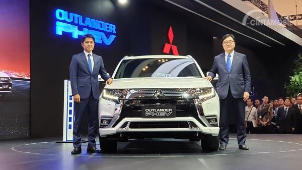 peluncuran Mitsubishi Outlander PHEV di GIIAS 2019
