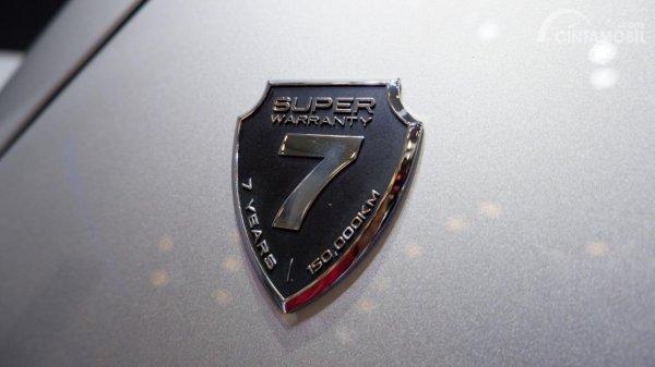 Gambar menunjukkan Seven years warranty DFSK Glory i-AUTO 2019