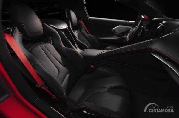 Kursi Chevrolet Corvette C8 Stingray 2020 hanya mampu menampung dua orang saja