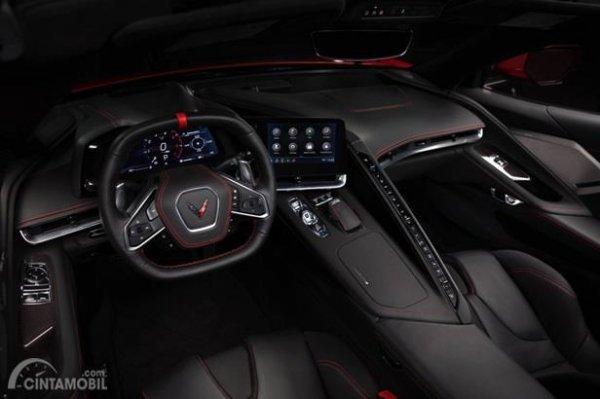 Setir Chevrolet Corvette C8 Stingray 2020 menggunakan model dua palang dan sudah dilengkapi fitur multifungsi