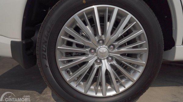 Tampilan Velg Mitsubishi Outlander PHEV 2019