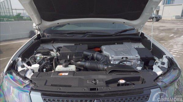Tampilan mesin Mitsubishi Outlander PHEV 2019
