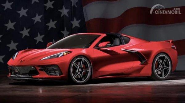 Chevrolet Corvette C8 berwarna merah