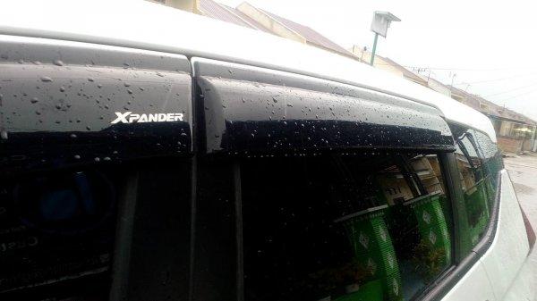 Talang air berwarna gelap pada Xpander