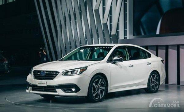 Eksterior Depan Subaru Legacy 2020 sudah dilengkapi lampu kabut dan lampu LED DRL