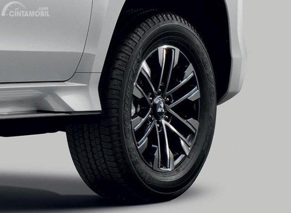 Gambar menunjukkan desain bagian Ban dan pelek New Mitsubishi Pajero Sport 2019