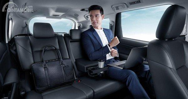 Gambar menunjukkan kursi belakang New Mitsubishi Pajero Sport 2019