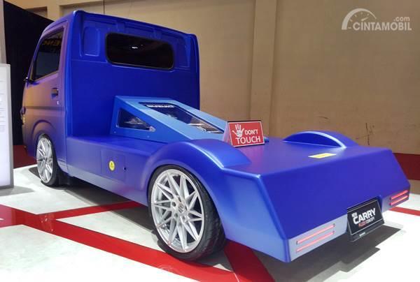 bagian belakang Suzuki Carry Pick Up