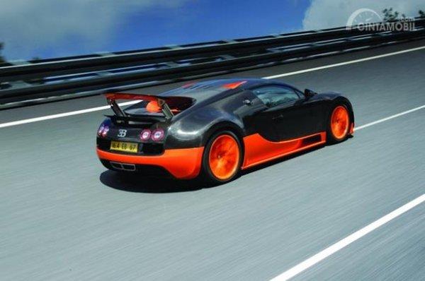Fitur Bugatti Veyron 2010 tampil sangat lengkap khususnya dalam sektor keselamatan