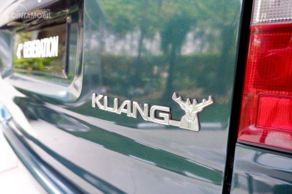 Foto emblem Toyota Kijang Kapsul