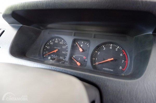 Foto speedometer Toyota Kijang LGX 1997