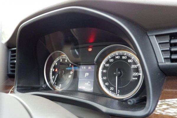 Gambar menunjukkan Multi Information Display Suzuki Ertiga GX 2019