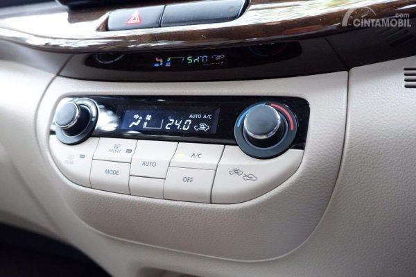 Gambar menunjukkan AC Auto Climate Control Suzuki Ertiga GX 2019