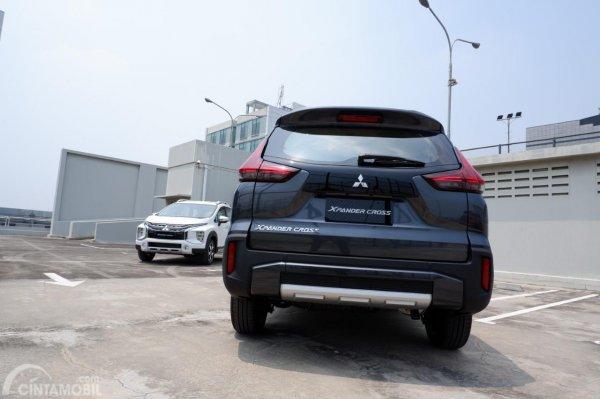 Gambar menunjukkan tampilan belakang frontal Mitsubishi Xpander Cross 2019