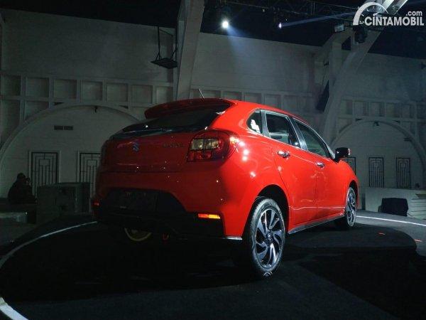 Gambar menunjukkan tampilan belakang Suzuki New Baleno 2020