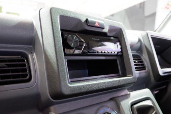 Foto head unit Suzuki New Carry Pick Up