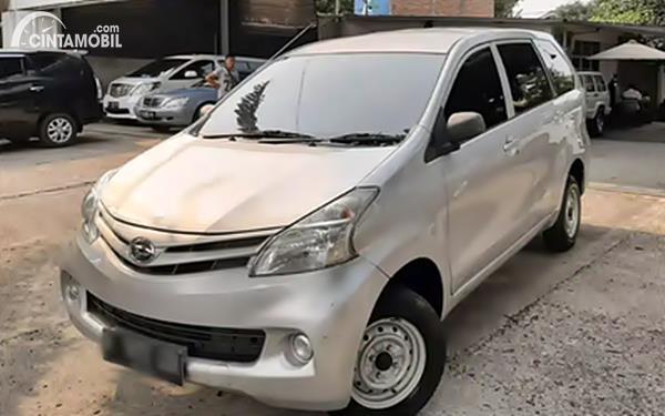 Daihatsu Xenia dijual