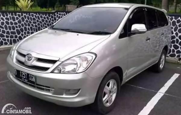 Toyota Innova dijual