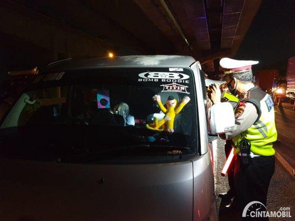 Foto mobil mengangkut Pemudik terkena razia