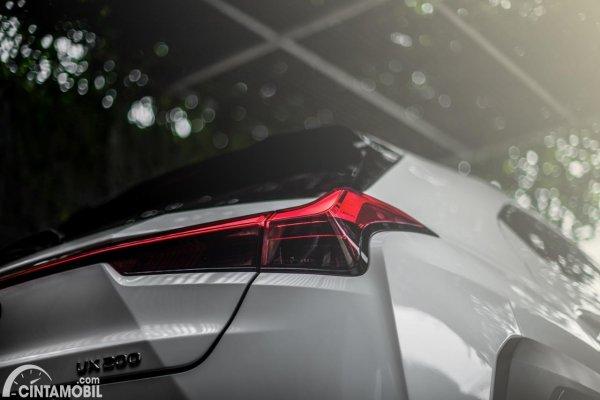 Gambar Stoplamp Lexus UX 200 F SPORT AT 2020