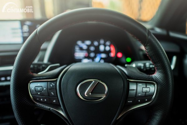 Gambar setir Lexus UX 200 F SPORT AT 2020