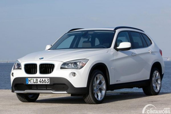 Gambar BMW X1 2009