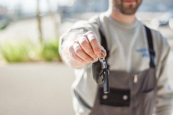 penjualan mobil baru