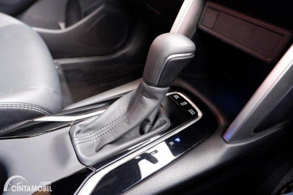 Foto tuas transmisi Toyota Corolla Cross 1.8 Hybrid AT 2020
