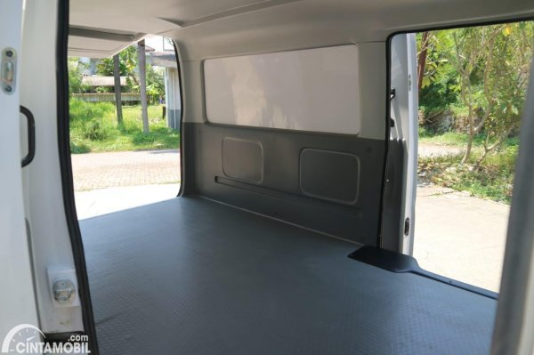 Gambar kargo Suzuki New Carry Blind Van 2020