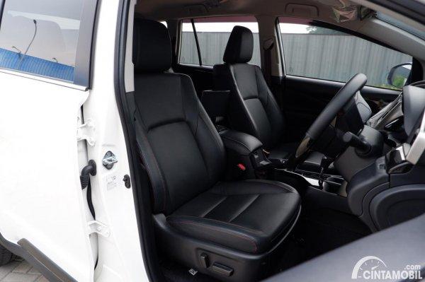 Foto kursi depan Toyota Innova Venturer 2020