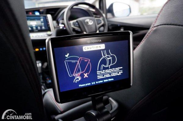 Foto rear seat entertaiment system Toyota Innova Venturer 2020